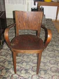 Stolica drvena stara preko 100 godina