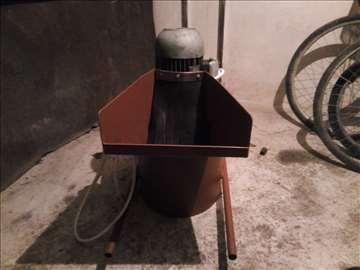 Mašina za jabuke, kruške i dunje
