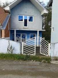 Kuća sa lokalom, sređeno, novo
