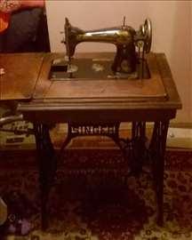 Singer, stara mašina za šivenje