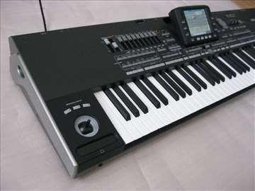 Klavijaturista pevač