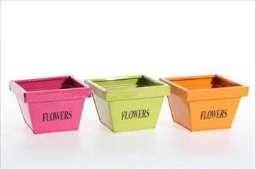 Metalna posuda za cveće