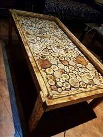 Pravim stolove od drveta sa rasvetom
