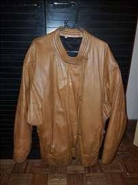 Prodajem žensku kožnu jaknu