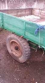 Na prodaju traktorska prikolica ručne izrade