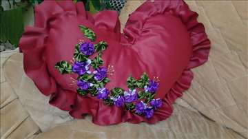Dekorativni jastuci ručno rađeni
