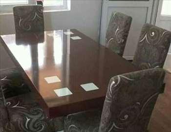 Komplet sto i 6 stolice