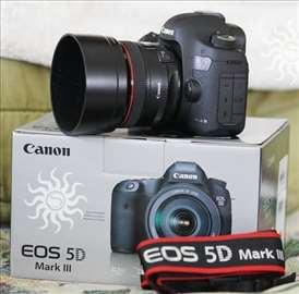Canon EOS 5D Mark III s objektivom EF 24-105mm IS