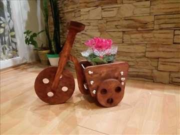 Drveni bicikl za cveće