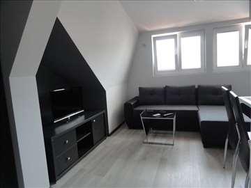 Izdajem veci broj apartmana i stanova u Budvi