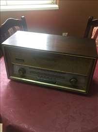 Radio aparat EI-melodija