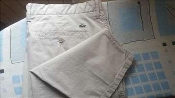 Prodajem nove Lacoste pantalone
