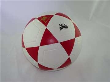 Veoma kvalitetna lopta crvena