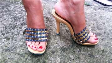Zlatno-teksas papuče