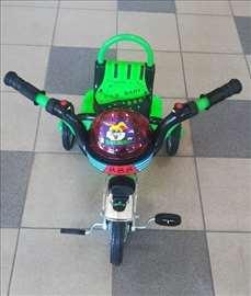 Tricikl za decu zelene boje