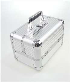 Metalno koferce za sminku sa pregradama