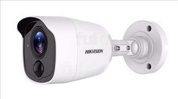 DS-2CE11D8T-PIRL Kamera sa detektorom kretanja Hik