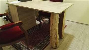 Jedinstven pisaći sto