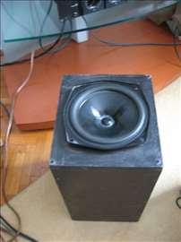 Subwoofer KEF 20cm  kutija medijapan 48x28x25cm