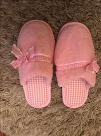 Ženske papuče