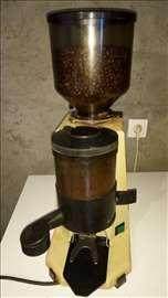 Italijanski mlin za espreso kafu marke La San Marc