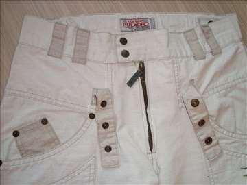 Vrhunske PULEDRO pantalone vel. 152