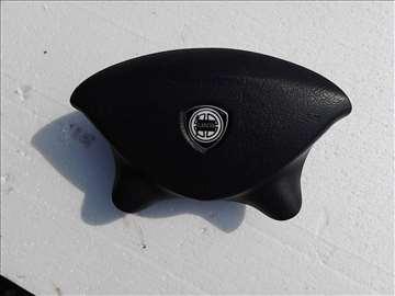 airbag  vozačev za  lančiju  pedru