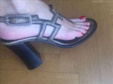 Vrlo Atraktivne sandale. Mekana koža.