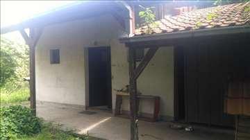 Prodajem kuću u Krnjači, 40m2+ terasa 20m2