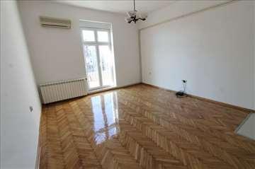 Renoviran stan za PP, cena sa troškovima! ID 8073