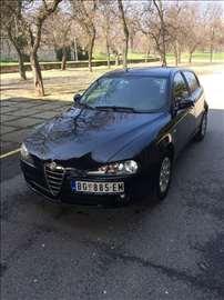 Alfa Romeo 147 JTDM Top