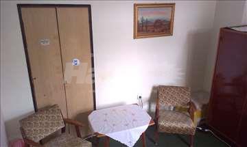 Soba na Dorćolu u okviru četvorosobnog stana