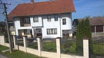Prodajem kucu u Bogaticu