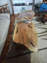 Neobičan sto
