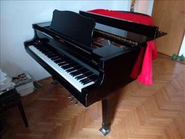 Polukoncertni klavir Yamaha C3