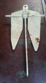 Prodajem Danfoth sidro težine 15-20 kg