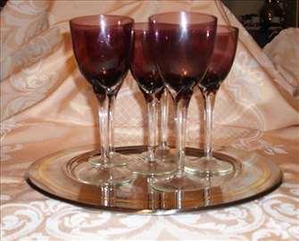 Ljubičaste čaše
