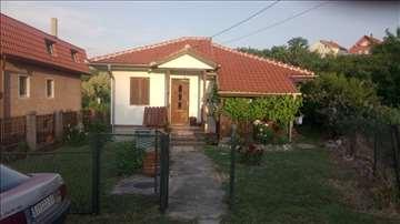 Kuća sa placem 9 ari,Beli Potok,Voždovac