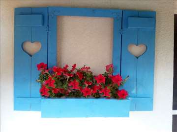 Zidna žardinjera - prozor