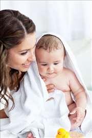 Nega novorođenčeta, beba i porodilja