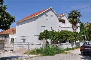 Odlična kuća sa 7 apartmana