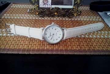 Elegantan Geneva sat Moderan lep akcija + poklon
