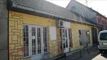 Srbobran, Centar, Poslovni prostor sa tri lokala i