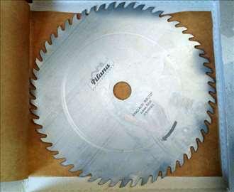 Kružna testera za drvo fi 300 - Pilana (Češka)