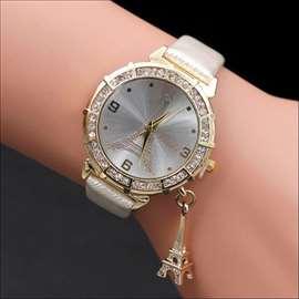 Lep elegantan analogni kvarcni sat sa priveskom