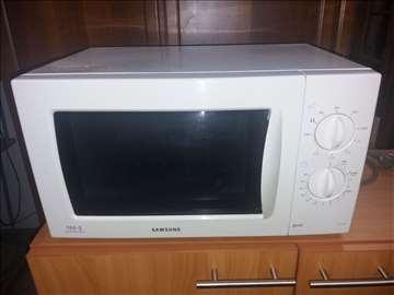 Samsungova mikorotalasna pećnica