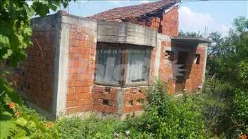 Prodaja Vranje Rataje Kuća voćnjakom iplacem 33ara
