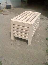 drvena klupa