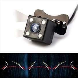 Rikverc Kamera za Auto