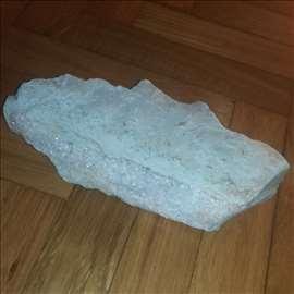 Kalcit kristali na steni, 783 g